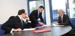 Rechtsanwalt Klevenhagen im Gespräch mit Rechtsanwäten Tintemann und Dr. Schulte in Berlin